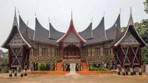 Keunikan Rumah Gadang sebagai Rumah Adat Suku Minang