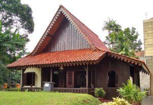 Mengenal Beberapa Rumah Adat Yang Ada Di Pulau Jawa